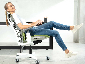Як класифікують офісні крісла
